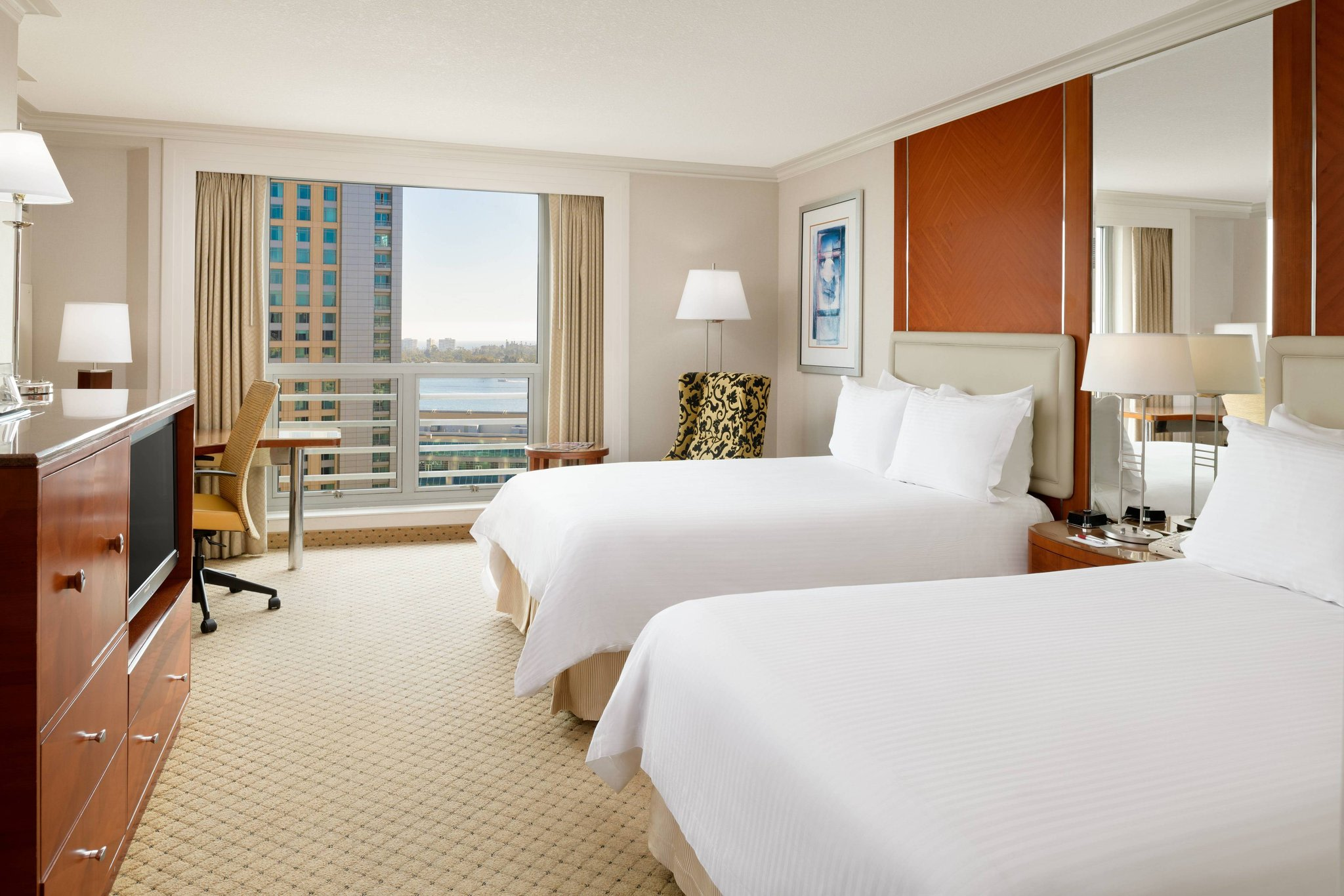 Double/Double Guest Room - Water or Bay View